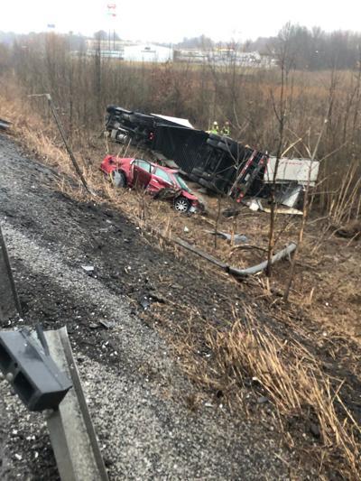 2 injured in I-24 wreck
