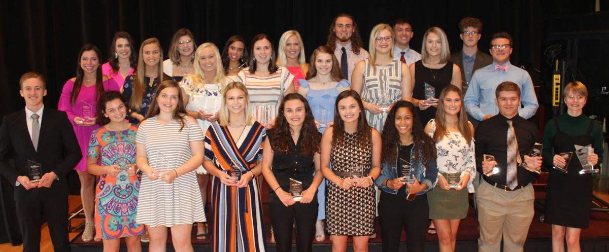 Group photo of all the Paducah Bank Teen of the Week!