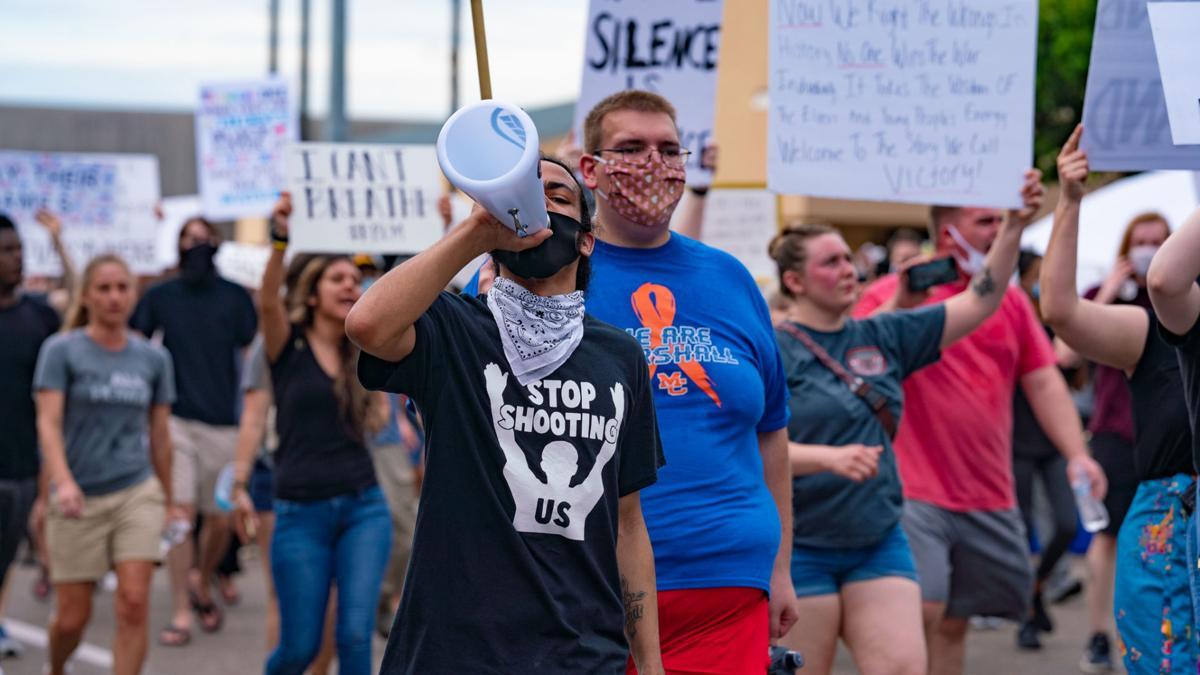 Hundreds show for peaceful Benton protest