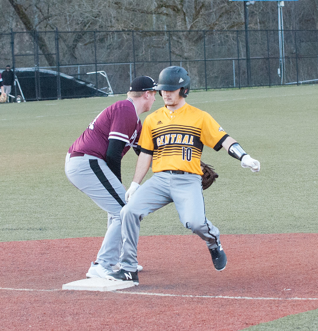 Golden Eagles open season with win over Panthers