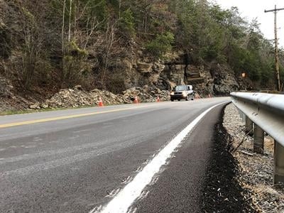 Rockslide closes Ky. 40, now reopened
