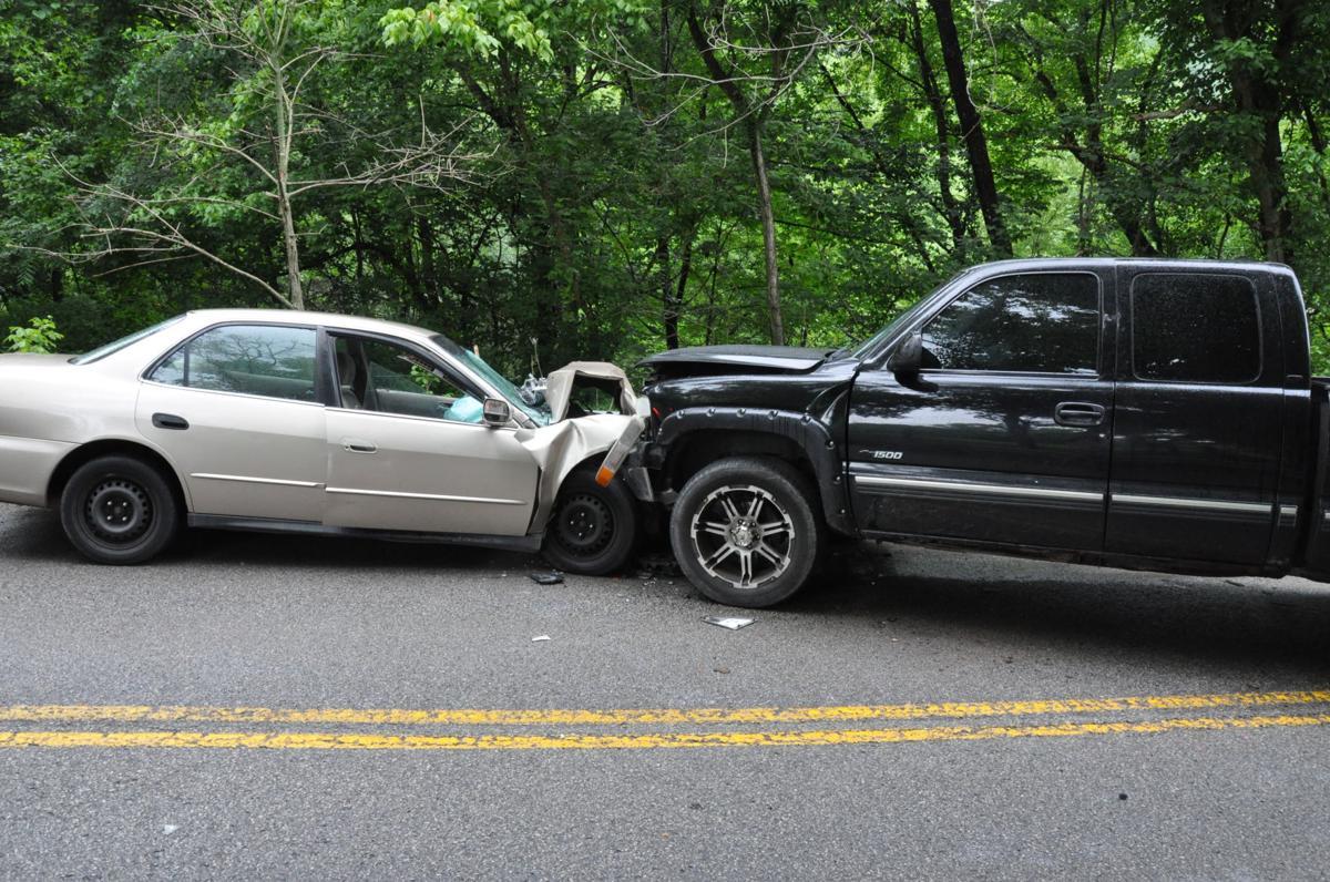 Three injured in Thursday wreck