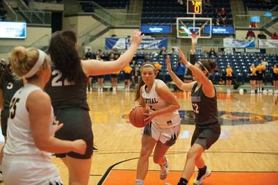 Lady Golden Eagles fall to Pikeville