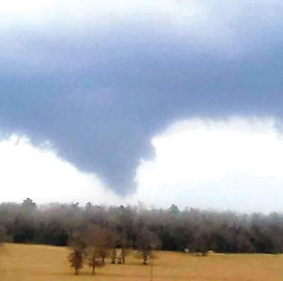 04-13 tornado-01