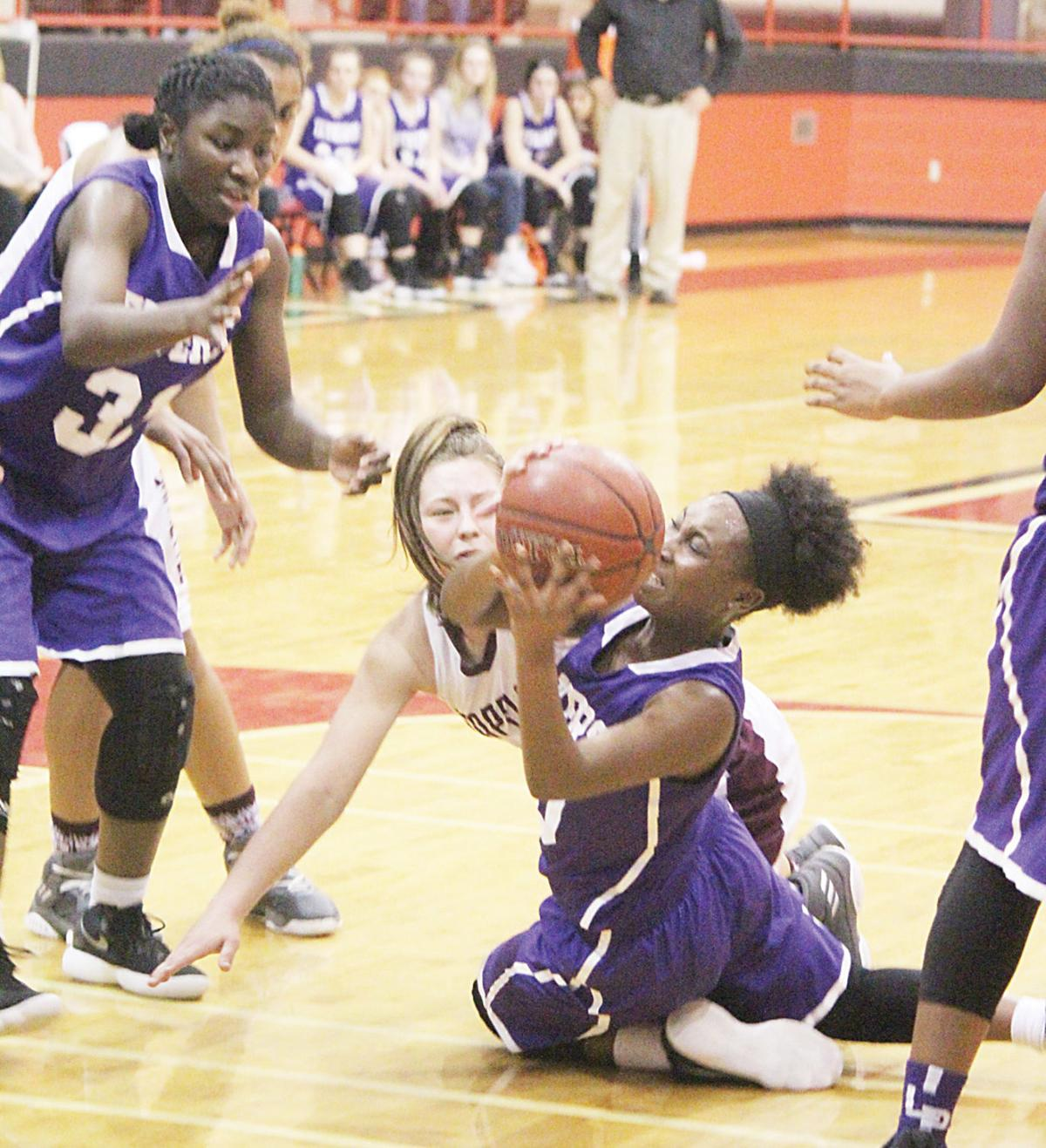 grapeland girls Tiera jones scored 25 points and was one of three grapeland players to hit double figures, and the no 6 sandiettes beat henderson 68-56 tuesday in the lady lions' home.