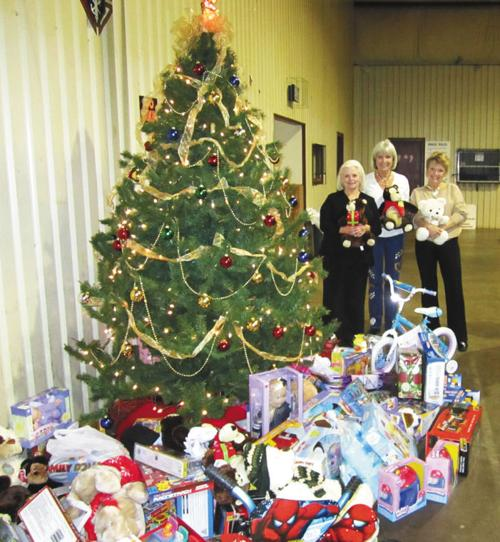christmas party toy drive held in dressell s memory local news palestineherald com