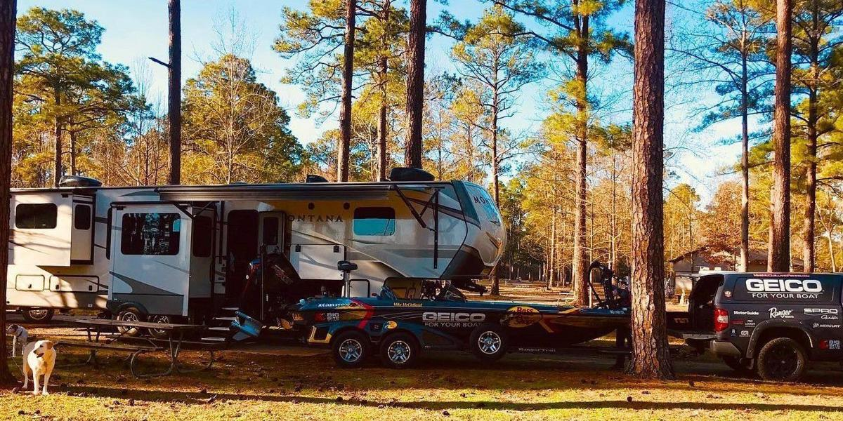 Camping photo for outdoor column