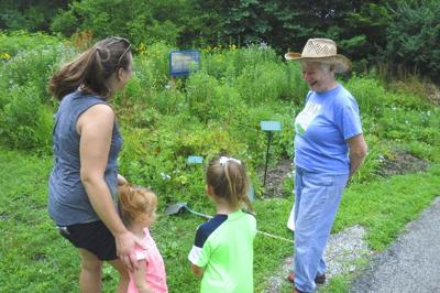Extension programs help volunteers 'master' info on plants, nature