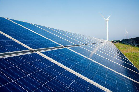 3 Top Renewable Energy Stocks to Buy Now -- and 1 to Avoid