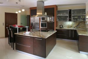 hanny kitchen.jpg