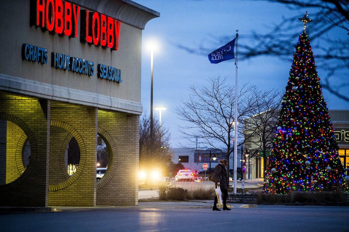 010418 blm loc 1hobbylobby - Hobby Lobby Day After Christmas Sales