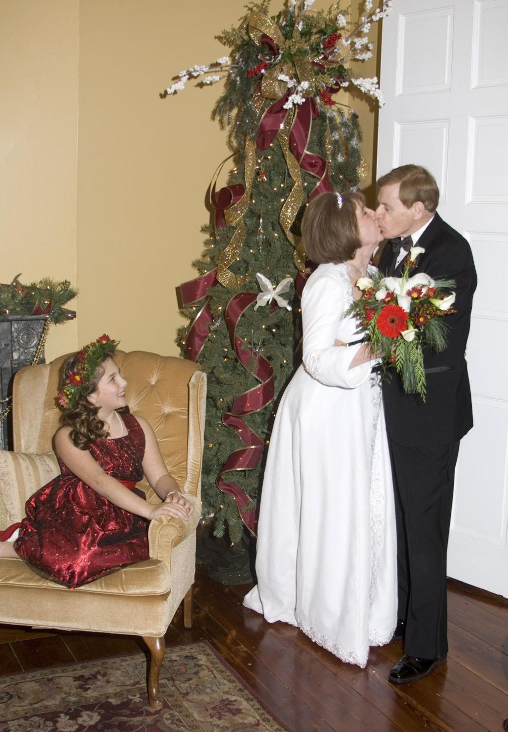Have yourself a merry little ... wedding | | pantagraph.com
