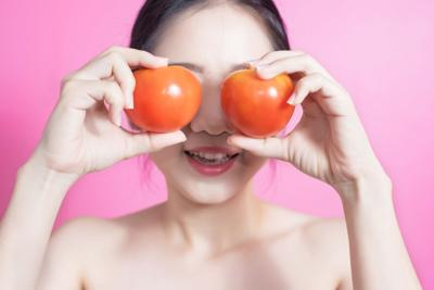 Tomatoes have a 'secret' ingredient that your skin loves