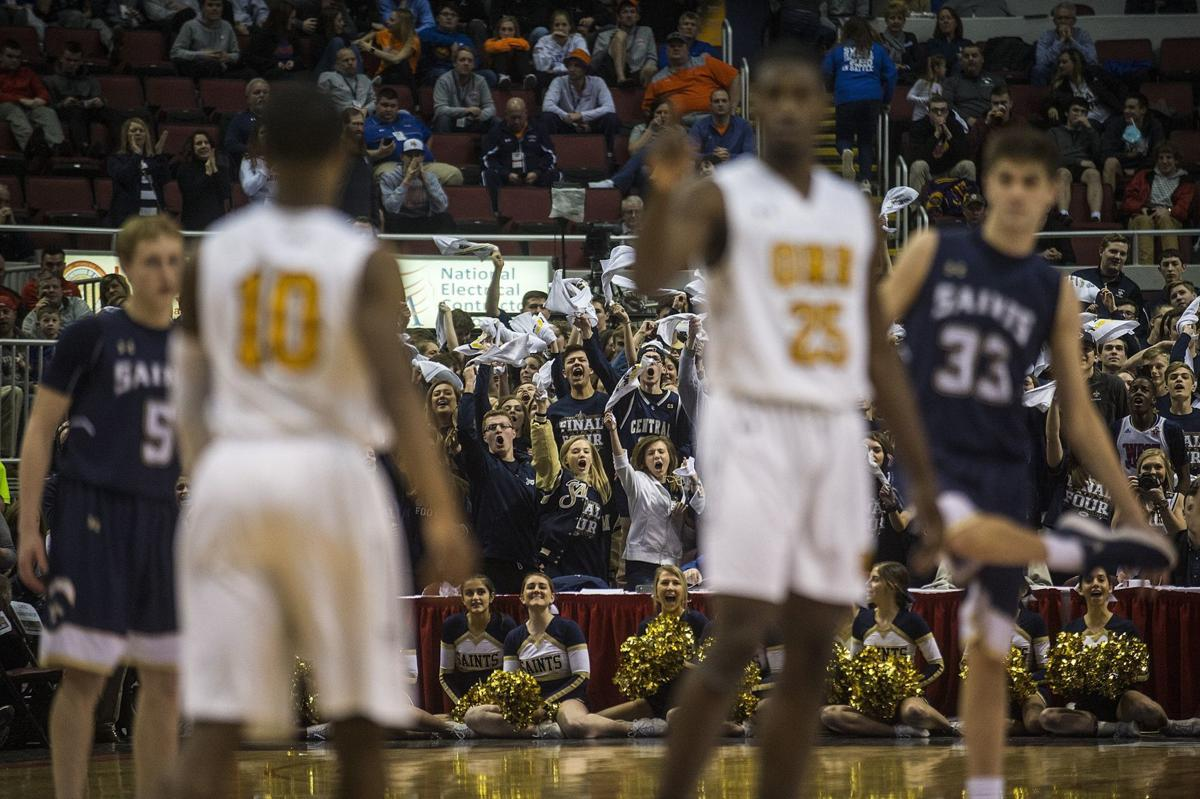 Students cheer on Saints