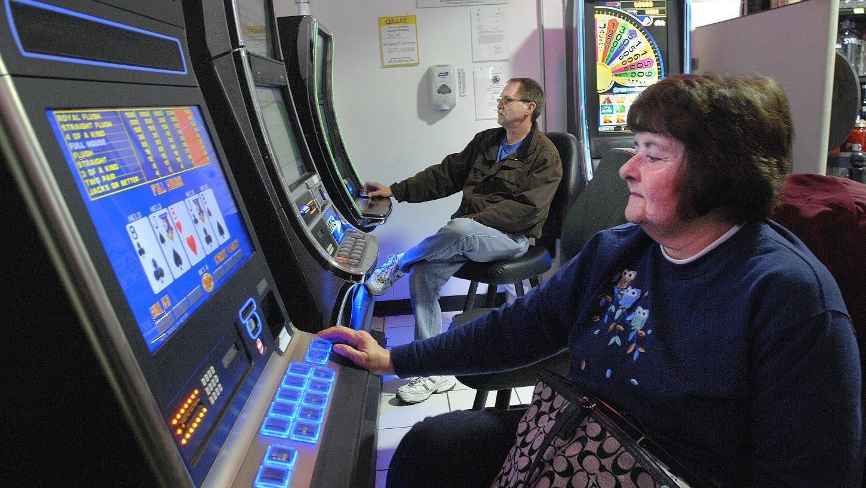 Bloomington eyes keeping moratorium on video gambling expansion
