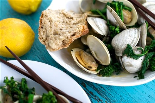Food-Healthy-Steamed Clams