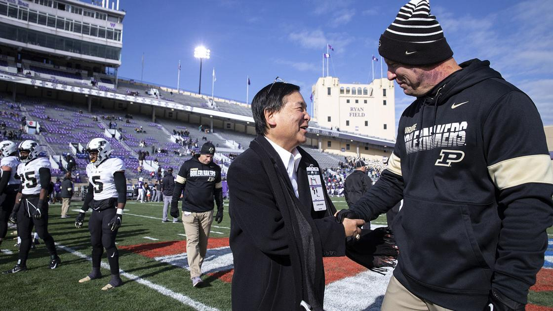 Inside the world of college football headhunters: How a 'crazy' Chicago exec helps schools reel in the big fish