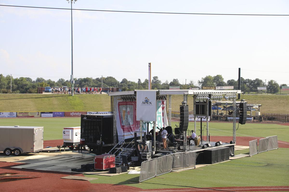 Band setting up