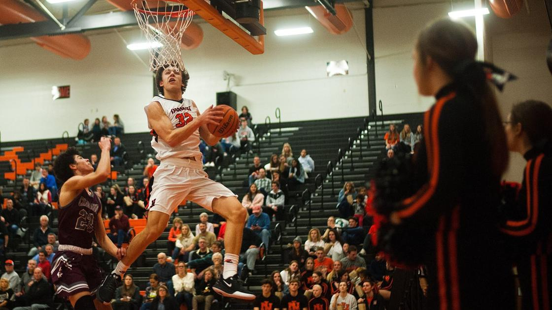 Zach Cleveland provides 'wow' factor in Normal Community basketball win