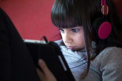 New Study Confirms: Limiting Kids' Screen Time Linked With Better Cognition