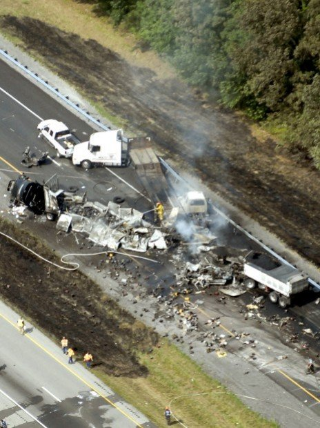 two killed in fiery wreck on i 57 illinois. Black Bedroom Furniture Sets. Home Design Ideas