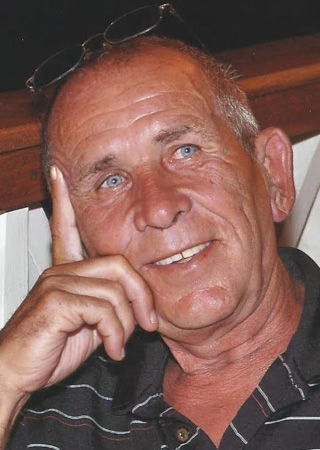 Lyle Lee Edwards