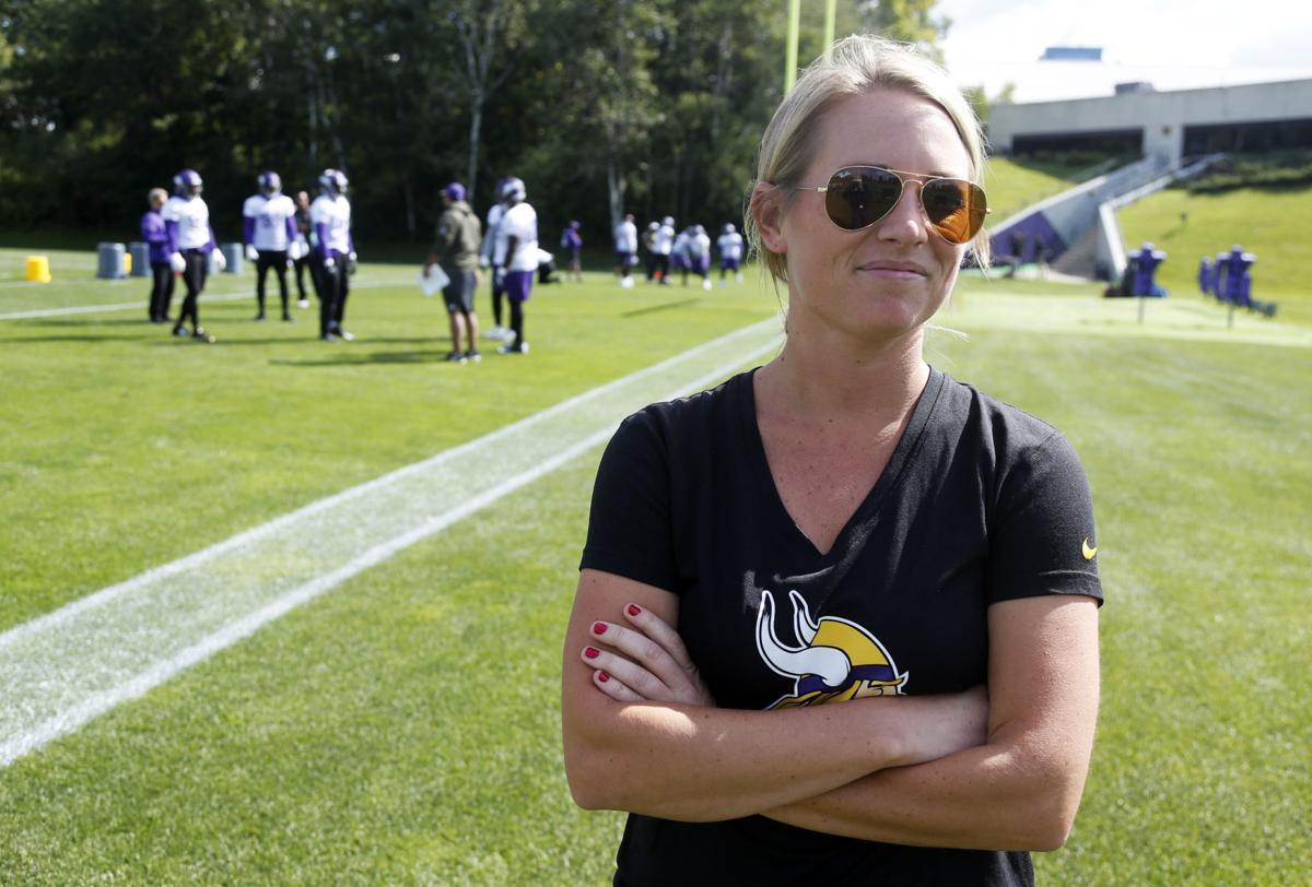Vikings Women Rise Football