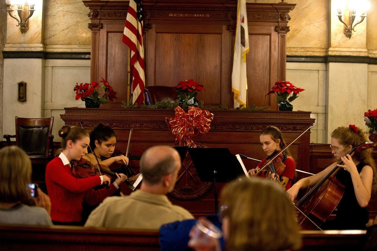 History museum hosts Christmas at the Courthouse 🎄 | Local News