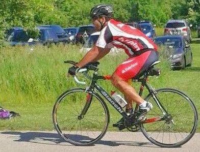Axel Jimenez cycling photo