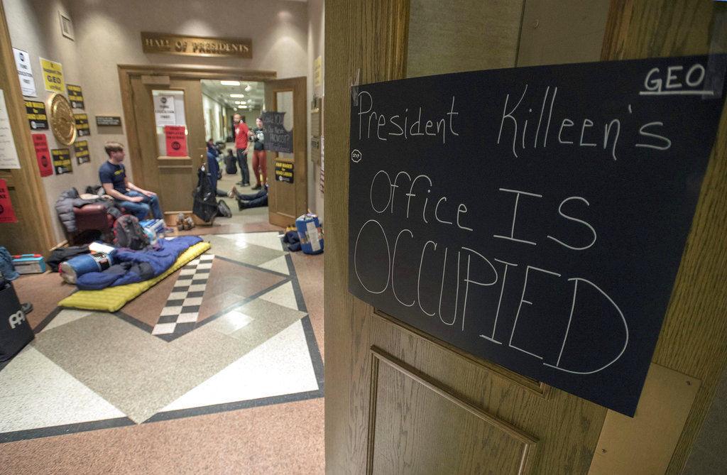 Illinois Grad Students Strike