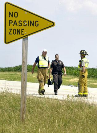 One dead in motorcycle, car crash on Illinois 9 | News | pantagraph com