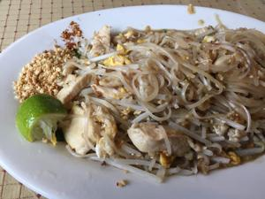 chicken pad thai.jpg