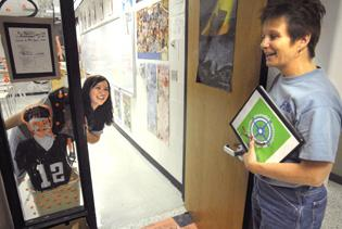 Mentoring program reaches H.S. freshmen