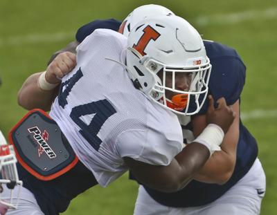 Learning on the fly: Illini's Tarique Barnes drawing eyes in training camp