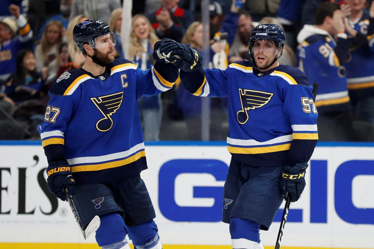 David Perron Gets Hat Trick As Blues Defeat Avalanche Hockey Pantagraph Com