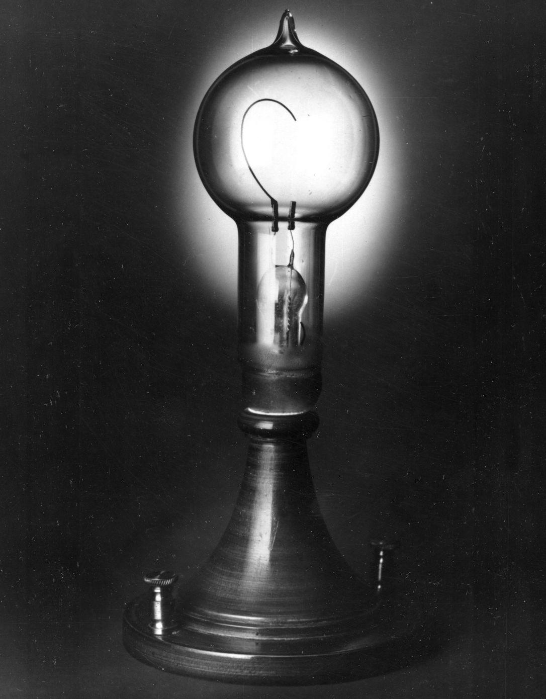1880: Thomas Edison