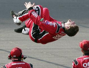 Edwards snaps 52-race winless streak with Michigan victory