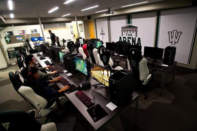 Lincoln College adds esports; IHSA studying adding to lineup