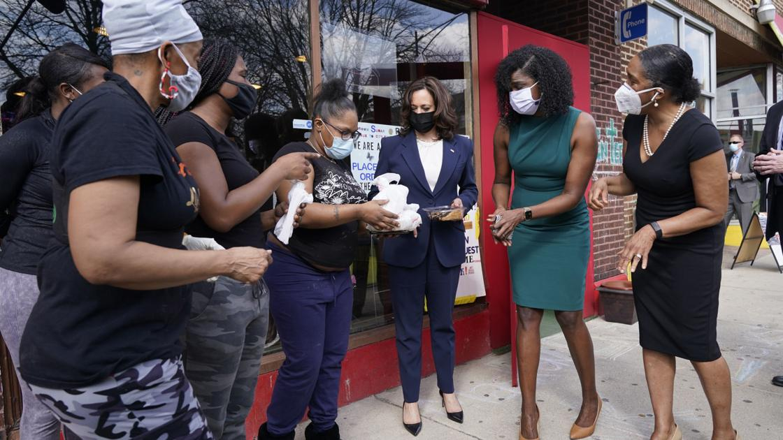 After Kamala Harris' visit sparks 'bakery vs. border' debate, Chicago's Brown Sugar Bakery gets caught in the crossfire