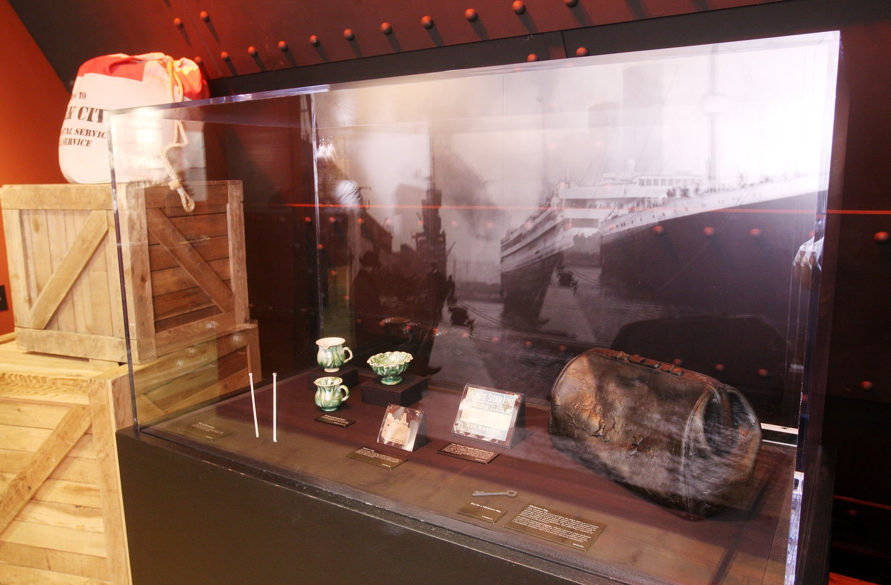 Up from the depths: titanic artifact exhibition docks in peo.