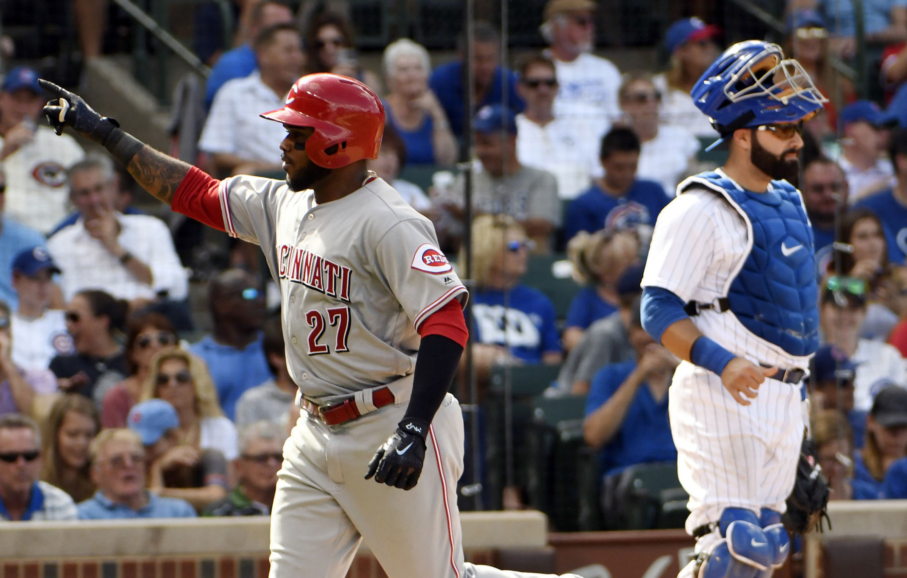Ervin's big day helps Reds outslug Cubs