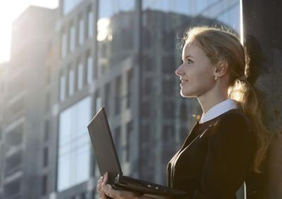 7 simple life changes that will make you happier at work