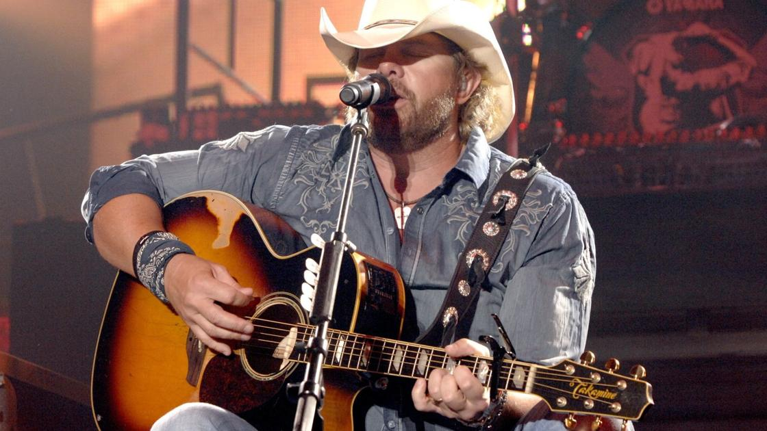 Toby Keith, LL Cool J to play Illinois State Fair