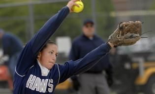 HCC softball avoids elimination in Division II tourney
