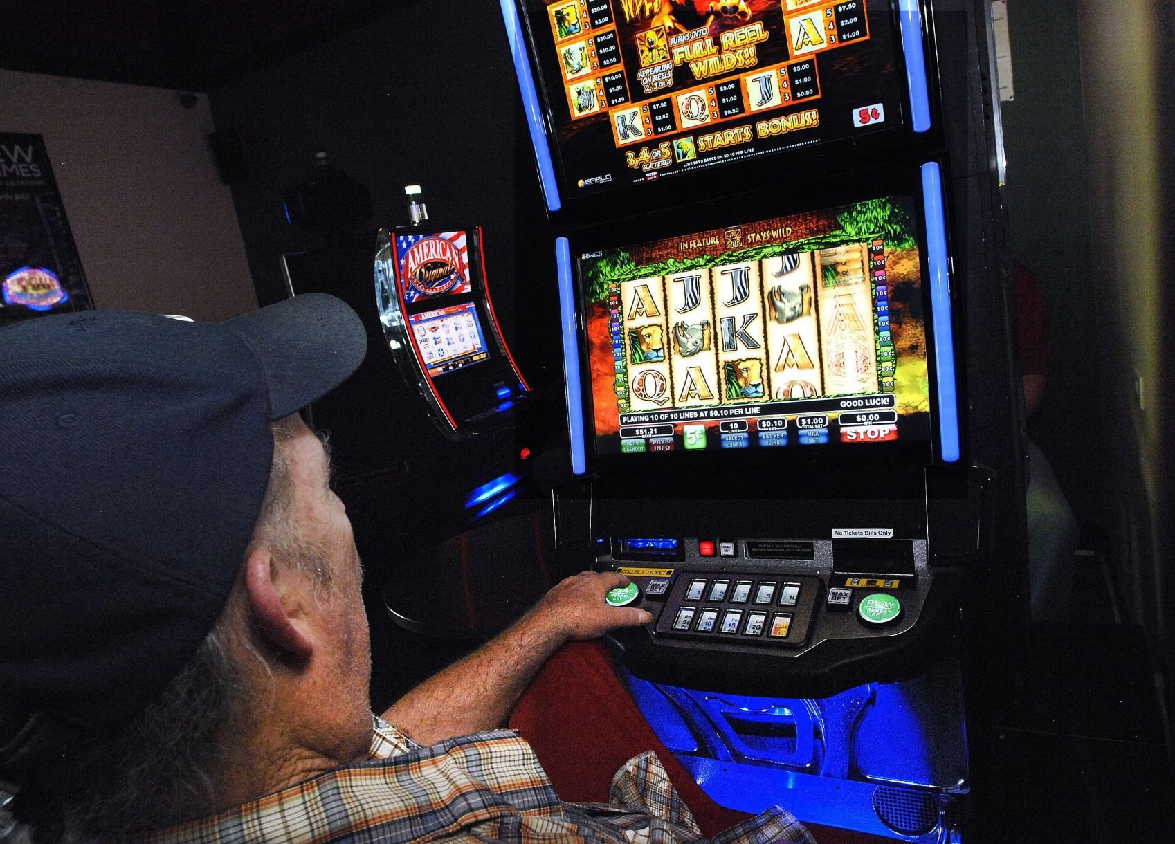 Gambling near bloomington illonois redding indian casino