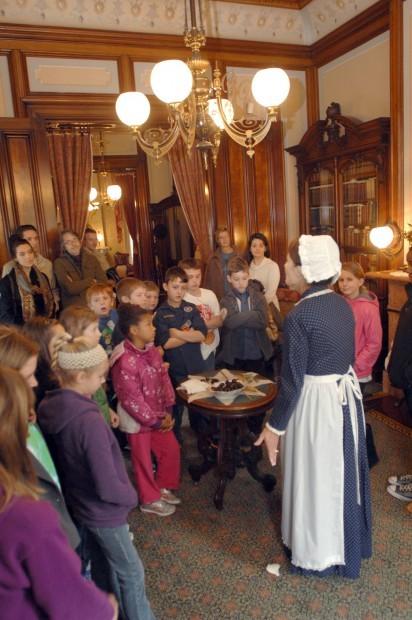 Visitors receive historic feast at David Davis Mansion   Local News