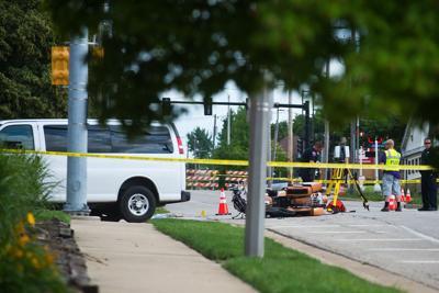 1 dead after van strikes motorcycle in Bloomington