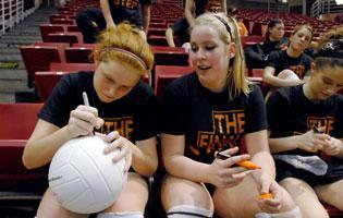 IHSA bidding adieu to two-class volleyball tourney