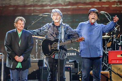 Country group Alabama extends tour