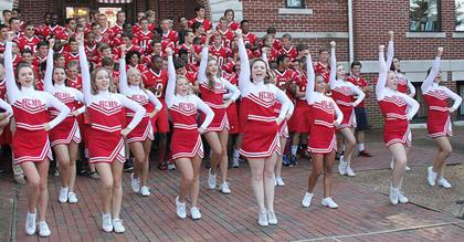 Paris tn henry county high school cheerleaders revving up the big paris tn henry county high school cheerleaders revving up the big red pride in downtown sciox Choice Image